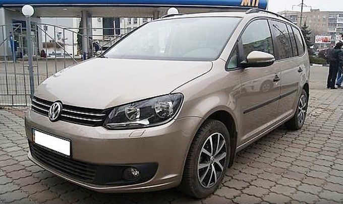 Защита радиатора Volkswagen Touran 2011- black
